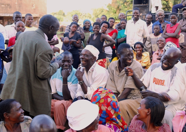 Residents respond enthusiastically to information about Olutindo